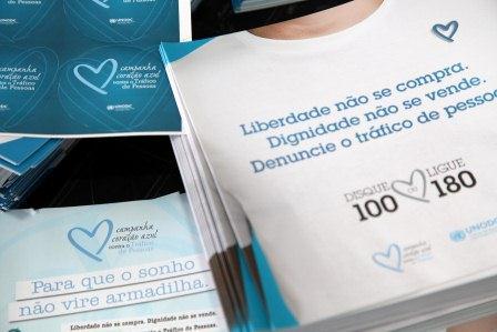 Material da Campanha Coração Azul contra o Tráfico de Pessoas (Foto: Verona Manevy / Imprensa MG)